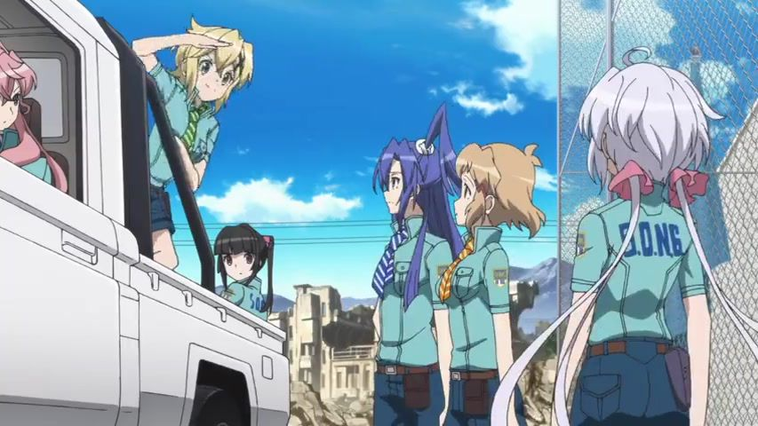 [Anime do Mês] - Senki Zesshou Symphogear 4/5 38